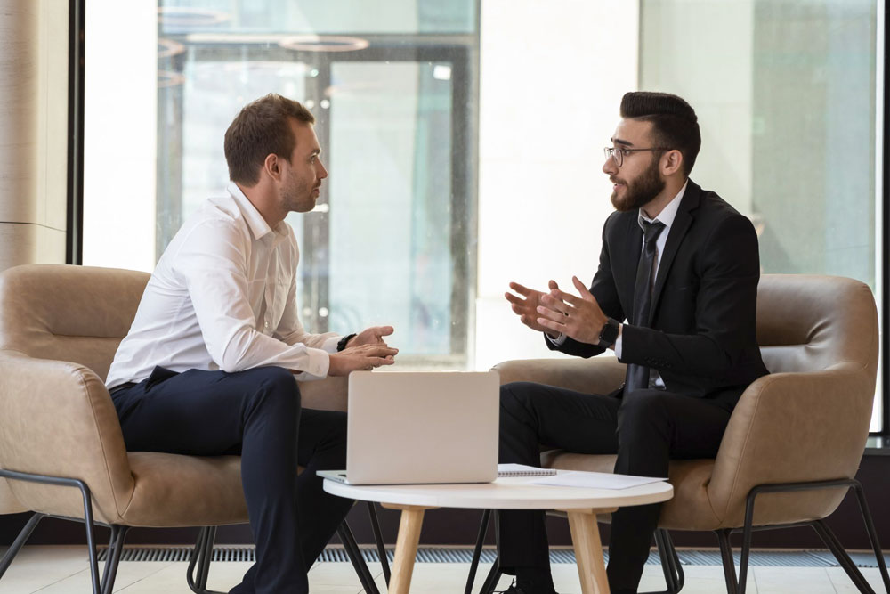 contratar asesor empresarial pamplona